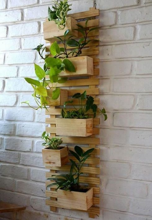 گلدان دیوارکوب چوبی