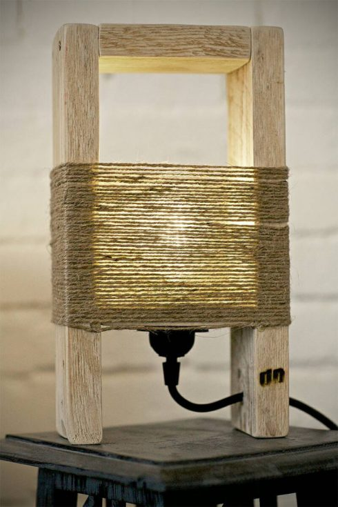 چراغ رومیزی دکوری چوب و کنف