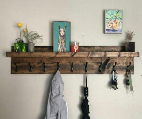 جالباسی و تاقچه چوبی دکوری